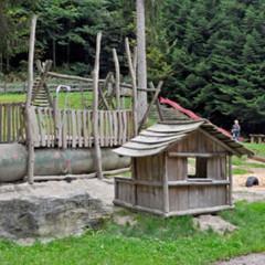"""Waldlehrpfad """"Ulmhardt"""" und """"Kaierspielplatz"""" im Schwarzwald"""