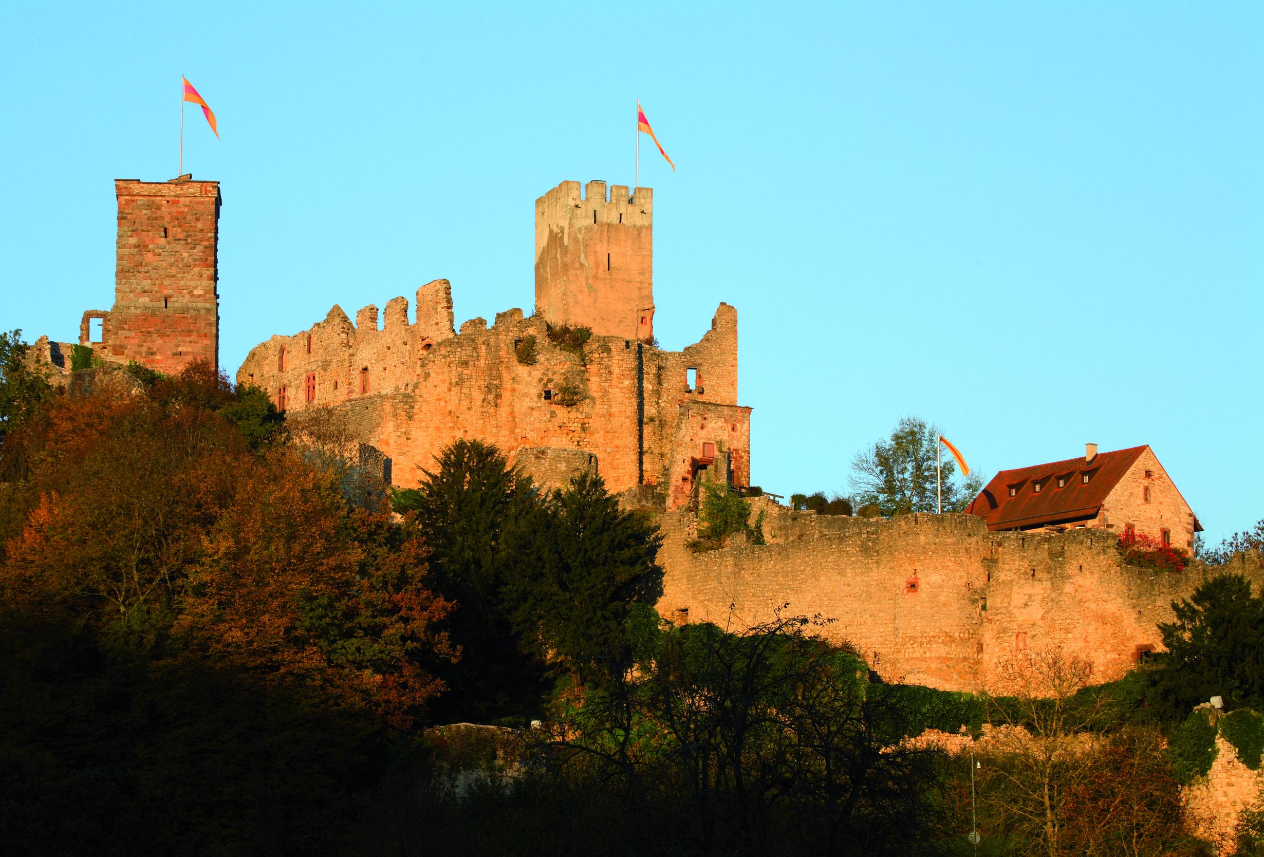 Die Burgruine Rötteln gilt als Wahrzeichen von Wiesental und Markgräflerland
