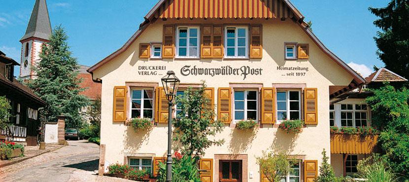 Schw-Post-Haus-830